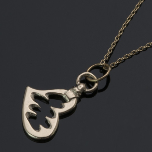FANGED HEART NECKLACE