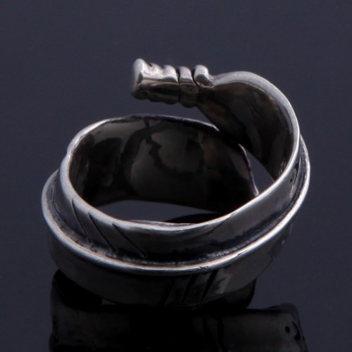 ROLLED FEATHER RING